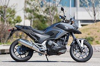 ホンダ NC750X デュアル・クラッチ・トランスミッション ABS 写真